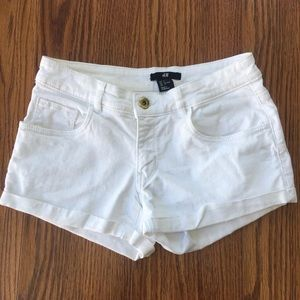 🌟3/$25 or 5/$30 H&M white shorts